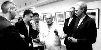 На фото (зліва направо): голова Черкаської ОДА Ю. Ткаченко, віце-прем'єр В. Кириленко, В. Таранюк, А. Марчук, генеральний директор Музею Т. Шевченка на Тарасовій горі М. Піняк, І. Ліховий