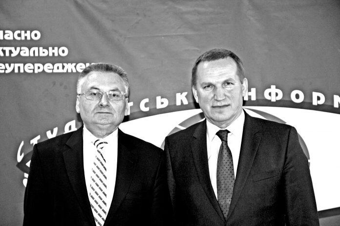 На фото (зліва направо): Віктор Мазаний і Олександр Моцик, 2017 рік