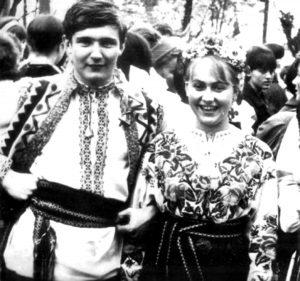 Володимир Івасюк з одногрупницею Марією Соколовською, котрій присвятив «Червону руту»