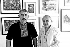 Анатолій Марчук (праворуч) з головою Національної спілки письменників України Михайлом Сидоржевським