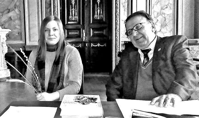 Під час презентації: Ніна Баликова і Всеволод Ткаченко.