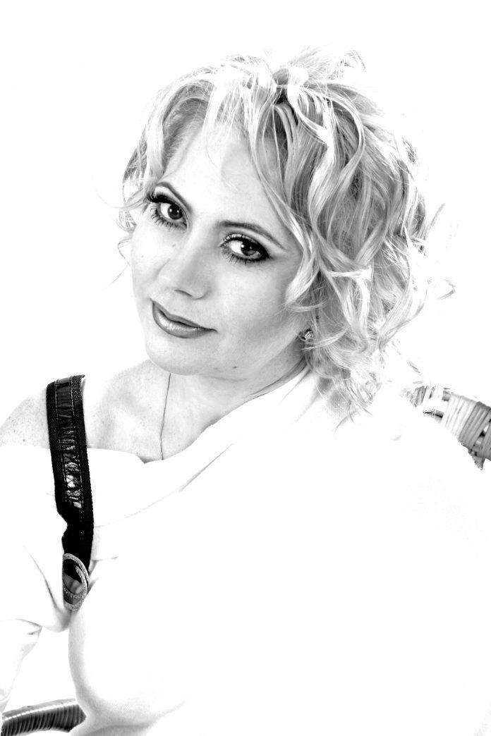 Лілія Золотоноша