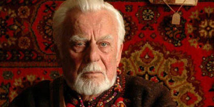 Роман Іваничук